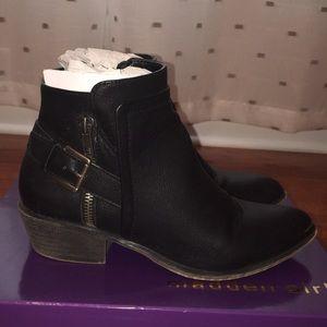 Madden Girl Huntz Black Ankle Booties